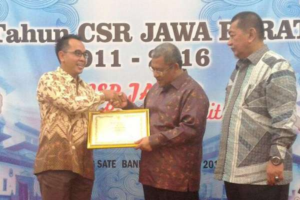 Dexa Medica Received CSR Award from West Java Provincial Government